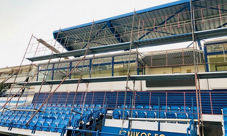 Ιωνικός: Τοποθετήθηκε το σκέπαστρο στο γήπεδο της Νεάπολης