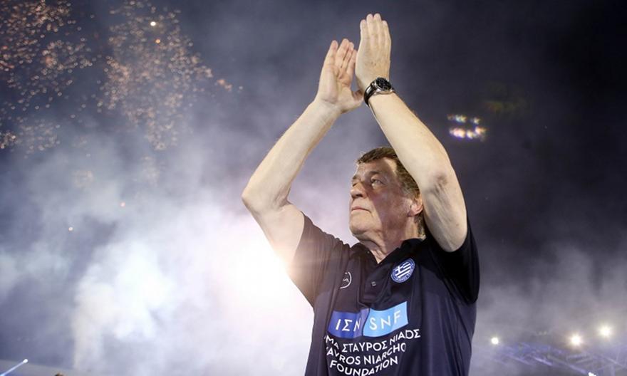 Ρεχάγκελ στον bwinΣΠΟΡ FM: «Το 2004 ήθελαν μια επιτυχία...»