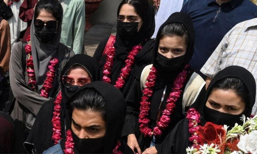 Αφγανιστάν: Στο Πακιστάν η εθνική ομάδα Νεανίδων