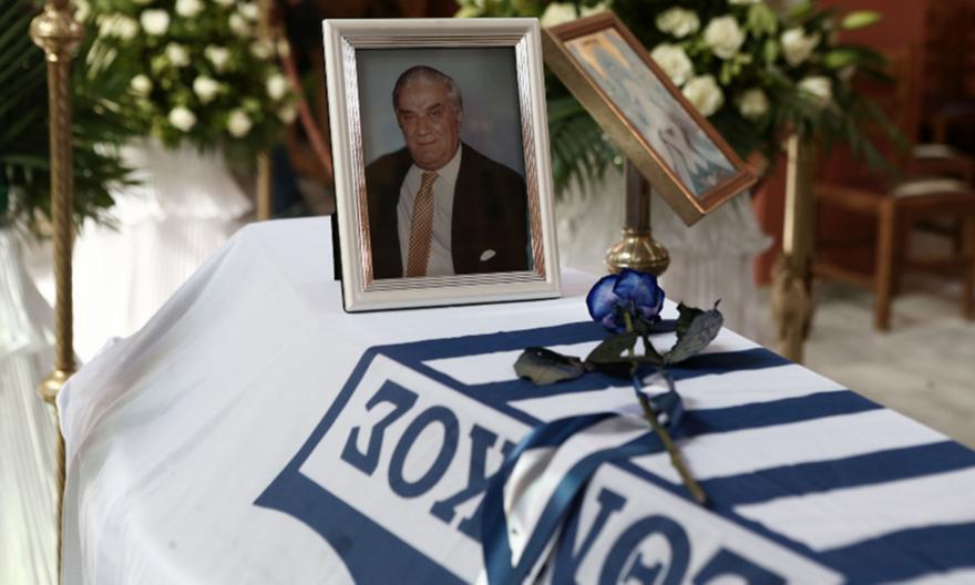 Εθνικάρας: Το τελευταίο «αντίο» στον Γιάννη Ματζουράνη