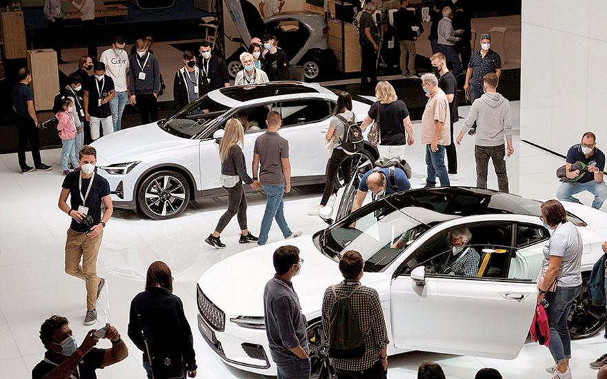 Διψήφια πτώση για τις πωλήσεις νέων αυτοκινήτων στην Ευρώπη