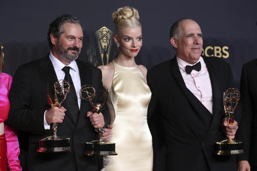 Βραβεία Emmy: Νικητές Crown, Queen's Gambit και Ted Lasso