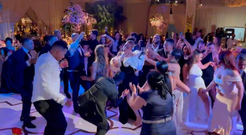 Ξεσάλωσαν Λεμπρόν και… Αντέλ στο γάμο του Ντέιβις