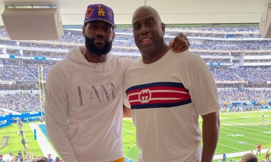 ΛεΜπρόν και Μάτζικ Τζόνσον βρέθηκαν μαζί σε αγώνα NFL