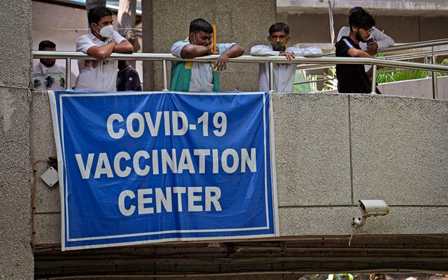 Κορωνοϊός: Η Ινδία θα εξάγει οκτώ εκατ. δόσεις εμβολίων