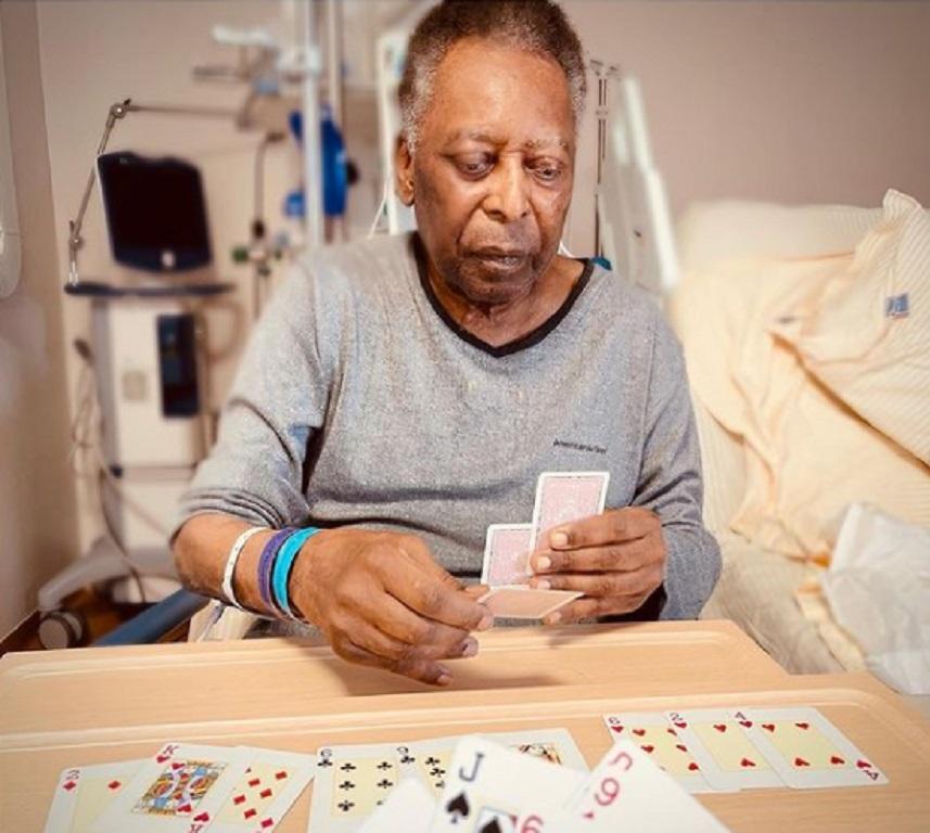 Πελέ: Παίζει χαρτιά με την κόρη του