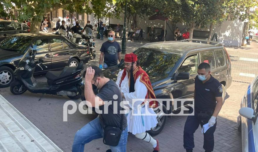 Πύργος: Αρνητής εμφανίστηκε ντυμένος τσολιάς στο δικαστήριο