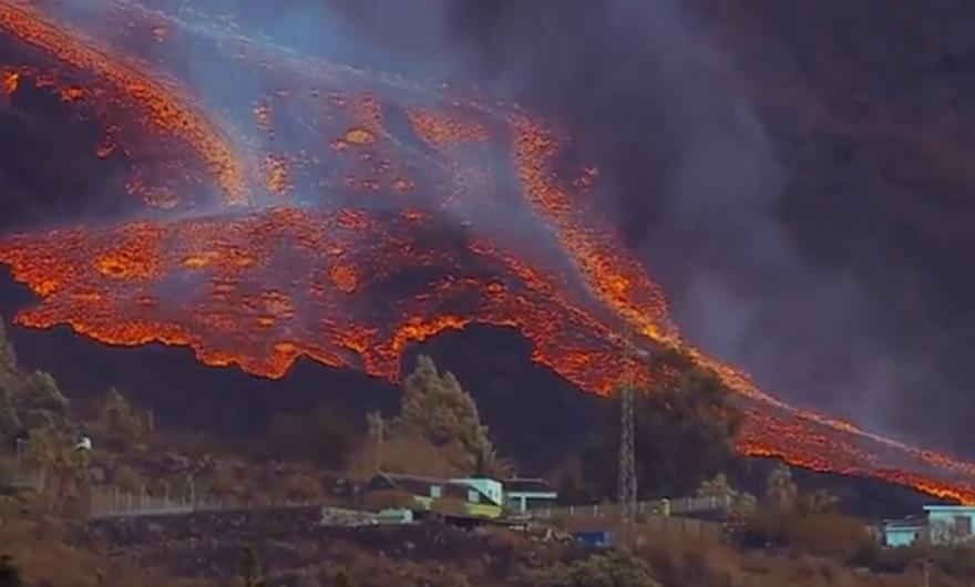 Λα Πάλμα: Ζωντανά εικόνα από το ηφαίστειο που εξερράγη πάλι