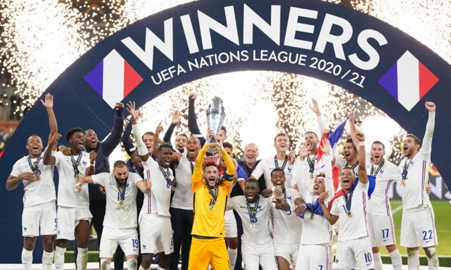 Η απονομή του τροπαίου του Nations League