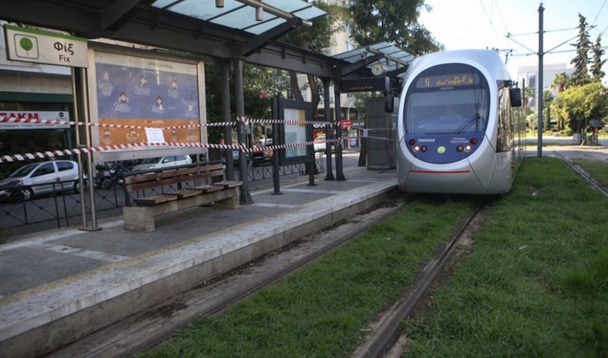 Μπάλλος: Αποσύρονται οι συρμοί του τραμ
